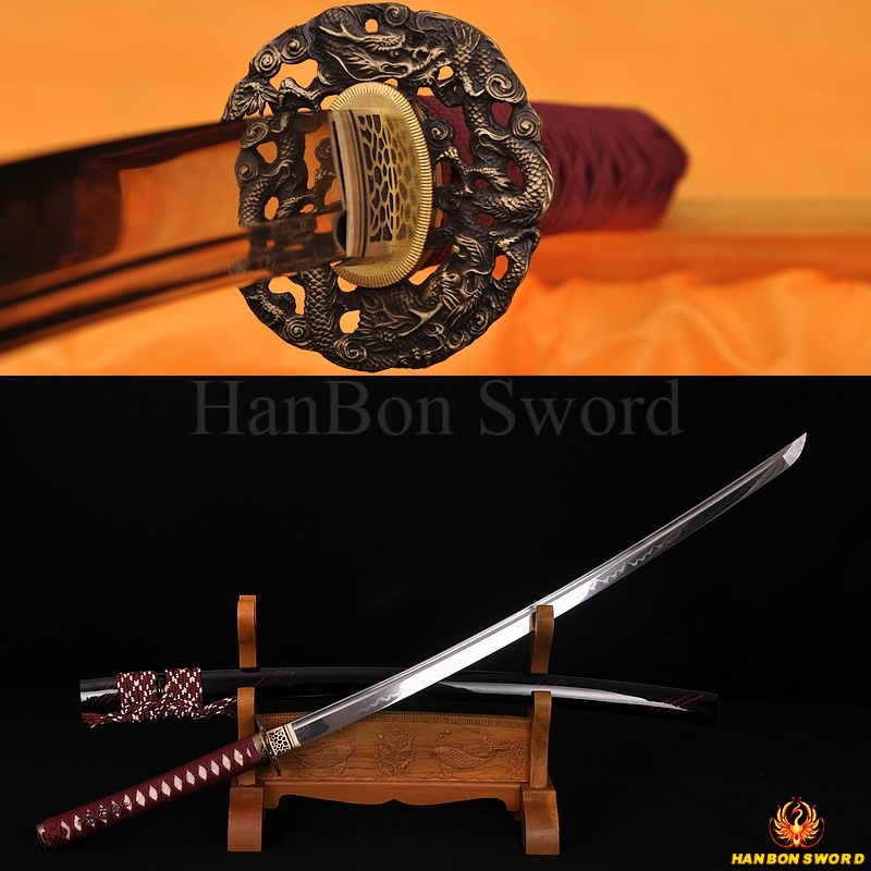 Fully Hand Forged Damascus Steel Clay Tempered Blade Flying Dragon Koshirae Japanese Samurai Sword Katana