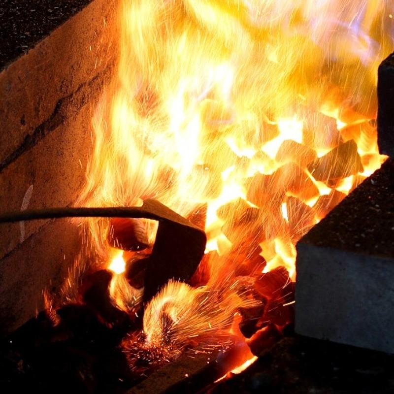 Heat treatment method of japanese sword